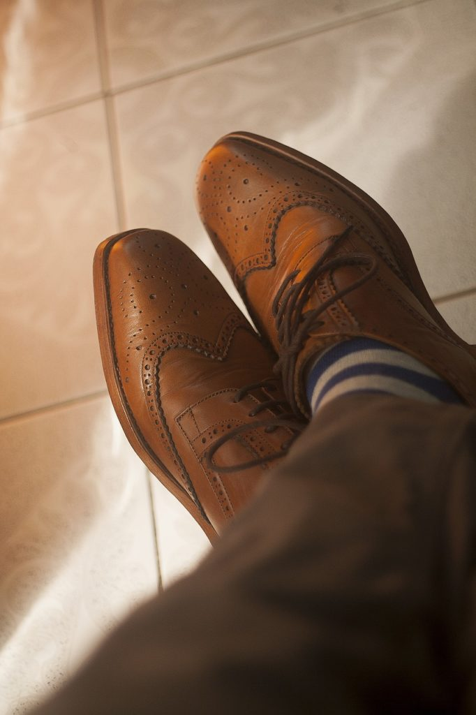 An image of the kind of shoes that young professionals should have in their closet